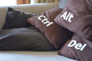 Control + Alt + Suprimir es una de las formas de reiniciar el equipo en situaciones críticas